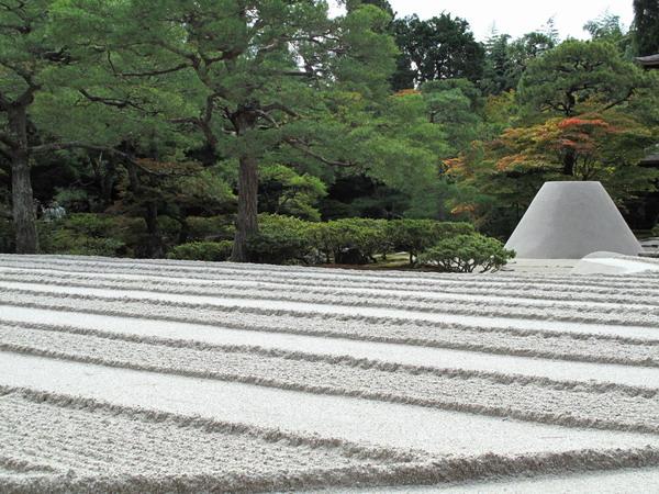 10-17-2015-11-27-01-am-ginkakuji-r