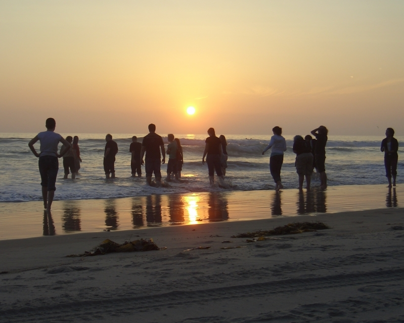 7-3-2008-10-58-07-pm-everyone-on-the-beach-at-sunset-8x10
